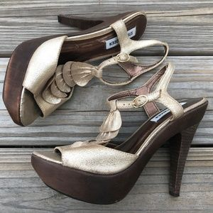 Steve Madden Women Heels Gold Tone Trufle Leather